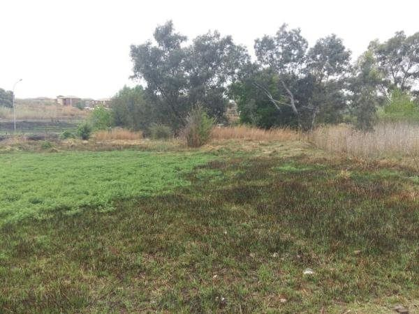 1751 m² Land available in Glen Marais