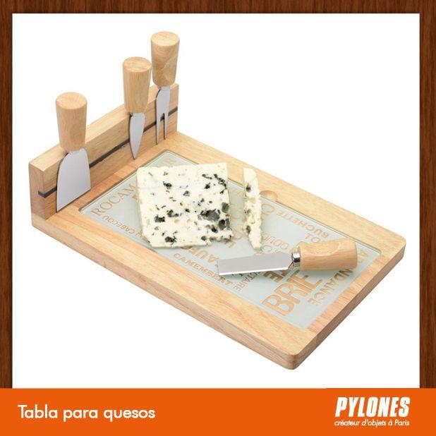 Tabla para quesos @pylonesco Pylones Colombia #navidad #regalos #pylones #novedades #new #gifts #christmas — en Colombia.