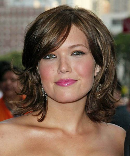 hairstyles for round faces beautiful women medium hairstyles for round