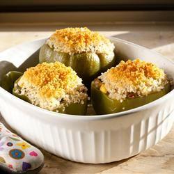 Фаршированный перец с фетой - Поджаренный зеленый перец, фаршированный фетой, рисом и луком #рецепты