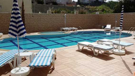 Town Center Apartments - Situated in a fantastic location in Mahmutlar you will find shops, bar and restaurants all within walking distance and the beach is only 500 meters away. A section of one bedroom apartment available on this development, all the properties have one bedroom, open plan fully fitted kitchen, living and dining area. Each apartment has a balcony with lovely views. Price: £38,588