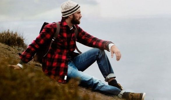 Jeans and Flannel... not sure about the cap.