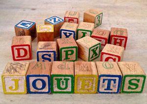 Blocs alphabet en bois anciens