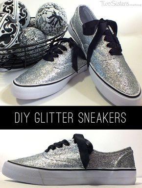DIY Glitter Sneakers - Ontdek hoe je je eigen DIY Glitter Sneakers maken met glitter, Mod Podge en een paar goedkope witte tennisschoenen. En voor nog meer leuke Mode ideeën volg ons op http://www.pinterest.com/2SistersCraft/