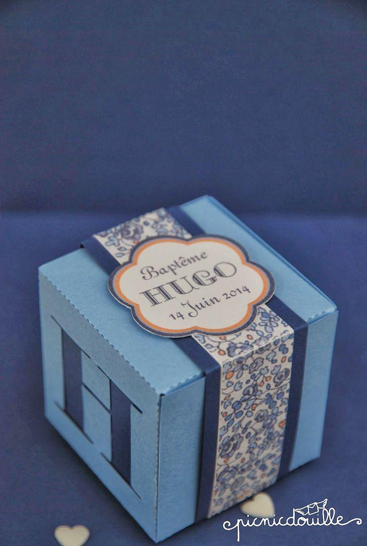 Boîte de dragées Liberty bleu  http://www.alittlemarket.com/autres-bebe/fr_boite_de_dragees_theme_liberty_bleu_-8092371.html