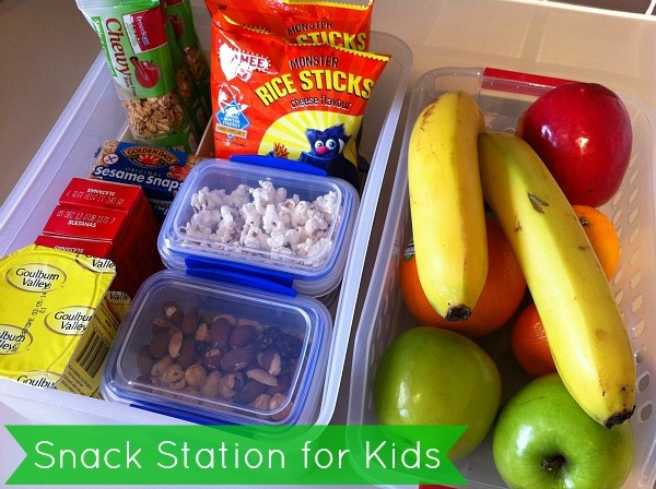 Great ideas for setting up a healthy snack station for kids. Lots of ideas for what to include. What a great way to help kids make healthy choices.
