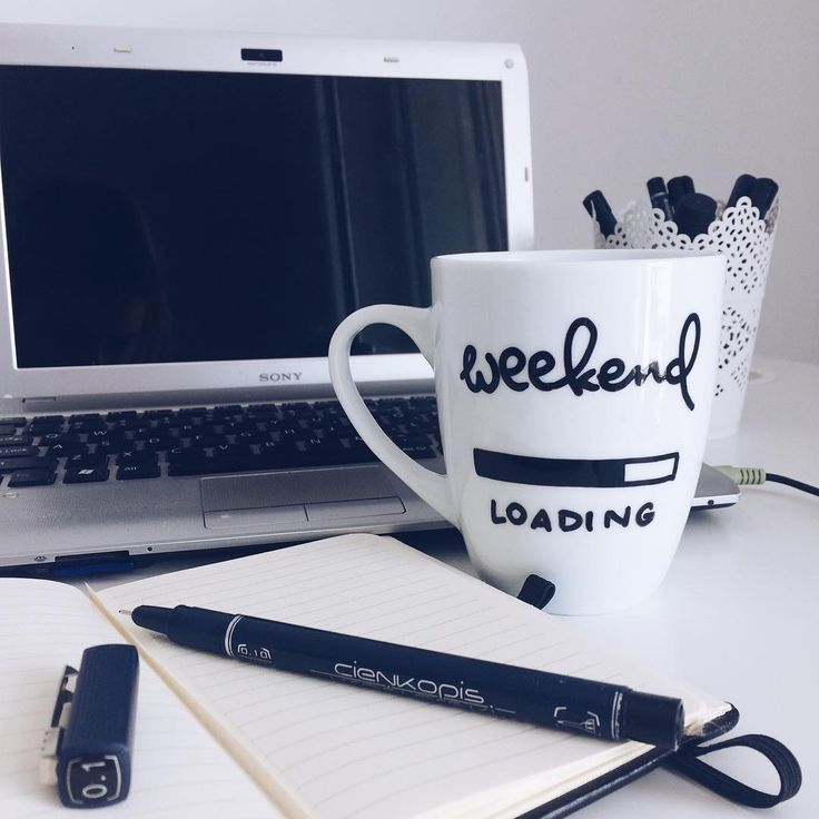 "cliche_mugs na Instagramie: ""#weekend #loading #morningcoffee #morningroutine #work #homeoffice #coffee #coffetime #tea #thursdays #morning #simple #notebook #instagood…"""