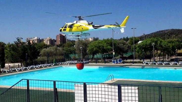 Amazing Video Fire Helicopter Pilot using swimming pool