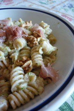 #Pasta alla crema di #zucchine e #speck