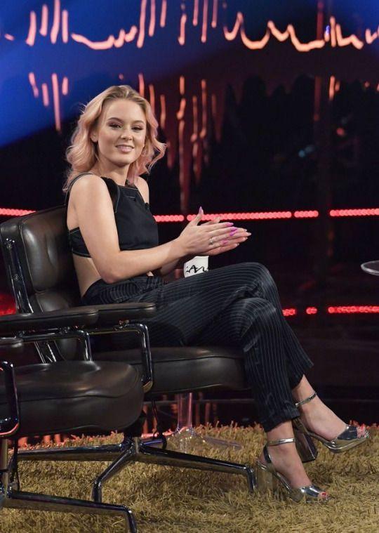 Zara Larsson on 'Skavlan' TV show, Stockholm (15 February, 2017)