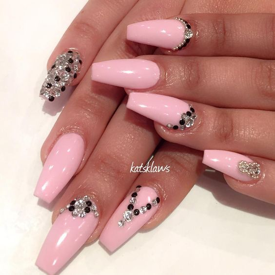 The 25 best square stiletto nails ideas on pinterest wedding hello lovers this weeks nail inspiration ni squareletto nailssquare stiletto nails zikiwa zimerembwa prinsesfo Choice Image