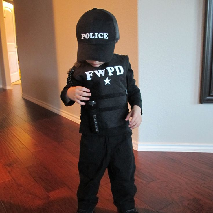 DIY police costume idea