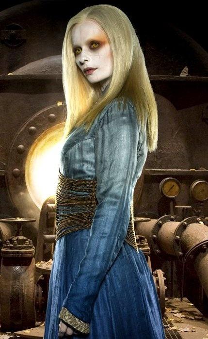 Anna Walton's Princess Nuala blue dress in Hellboy II: The Golden Army (2008)