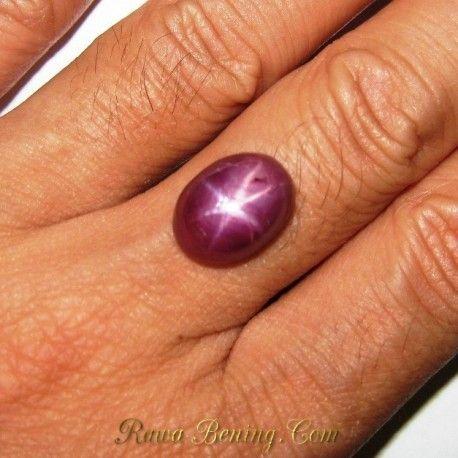 Purplish Red Star Ruby 10.46 carat. Batu star ruby kualitas untuk cincin exclusive untuk disimpan dalam waktu yang lama sampai ke cucu cicit dst.