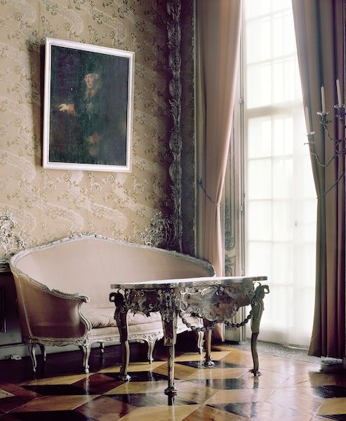 The Gorgeous French Cabriole Cabriolet Sofa Was Popularized By Louis XV In First Half Of Where Our Term Cab