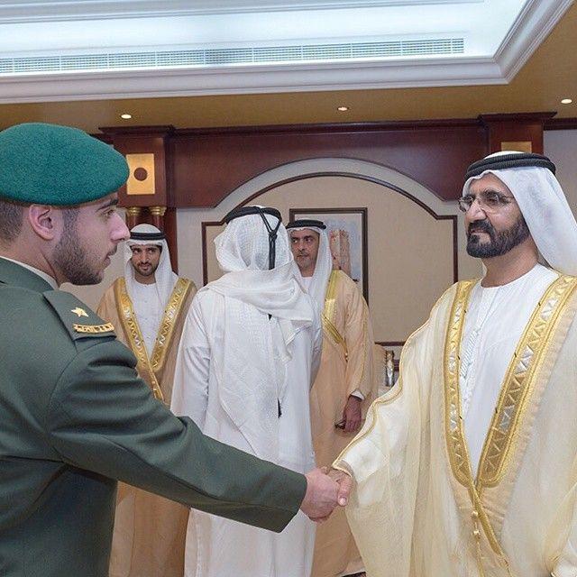 Zayed bin Maktoum bin Rashid Al Maktoum, Mohammed bin Rashid bin Saeed Al Maktoum, Hamdan bin Mohammed bin Rashid Al Maktoum y Saif bin Zayed bin Sultan Al Nahyan, ceremonia de graduación, 28/01/2015. Vía: zayedbinmaktoum