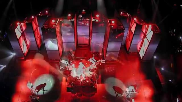 Stop what you're doing and watch Muse!  https://www.facebook.com/muse/videos/10154989409163725/ #DigitalGuruShop