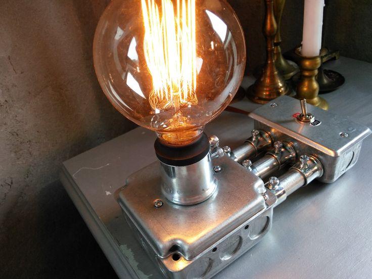 Argento Steampunk lampada per illuminazione industriale - acciaio Sidecar di NovemberReserve su Etsy https://www.etsy.com/it/listing/206564228/argento-steampunk-lampada-per