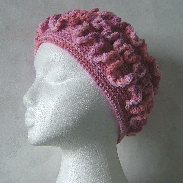 Hypatia - Hyperbolic knitted hat