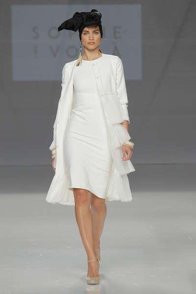 Vestidos de novia cortos: diseños que te enamorarán. ¡Elige el tuyo! Image: 24