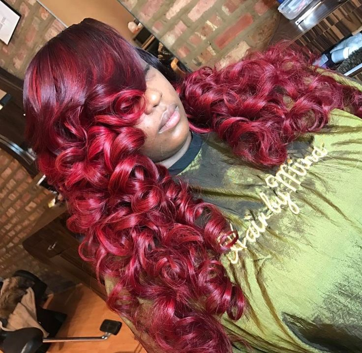 This red is so pretty! If you need closures, frontals, or bundles please visit our website and shop now Photo credit: @hairbymina