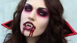 Como fazer uma fantasia de vampira - 5 passos - umComo