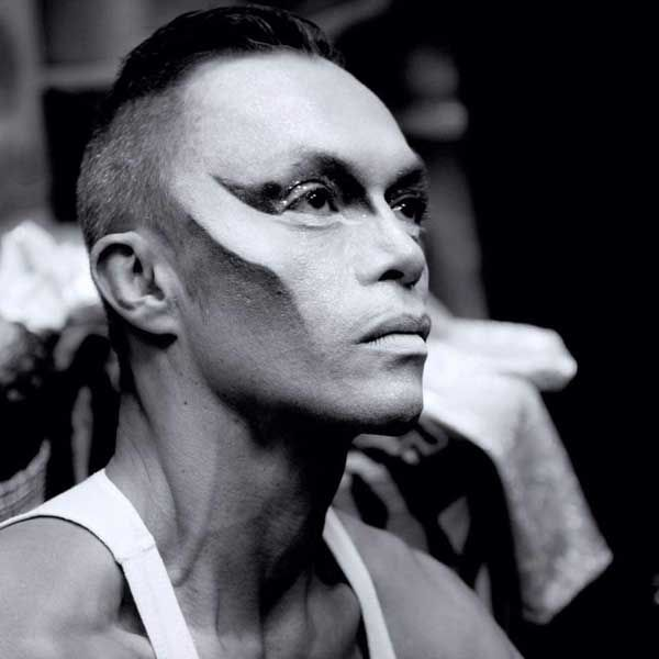 Interview with Mario Mira. Mario is an artist, aerial silk and straps performer, pole dancer, showman (cabaret) and skilled in many types of dance- ballet, contemporary, jazz, tango.