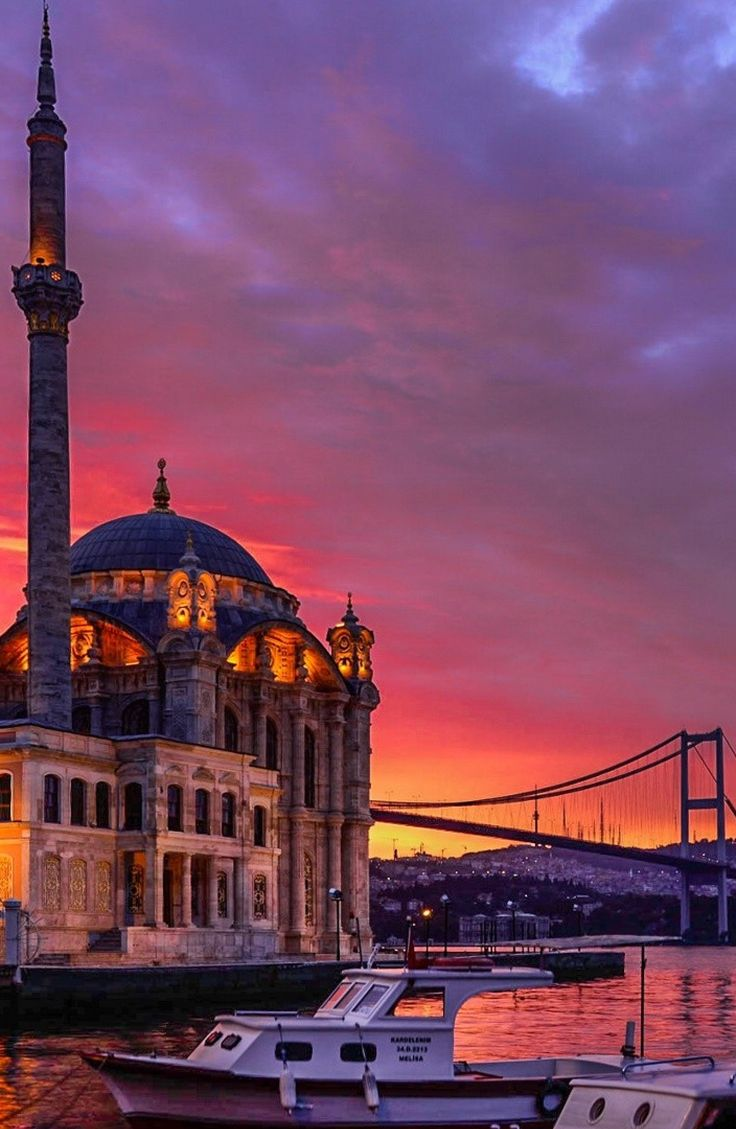 The absolute best Istanbul Turkey travel guide! This post is the perfect, all in 1 best Istanbul travel guide!