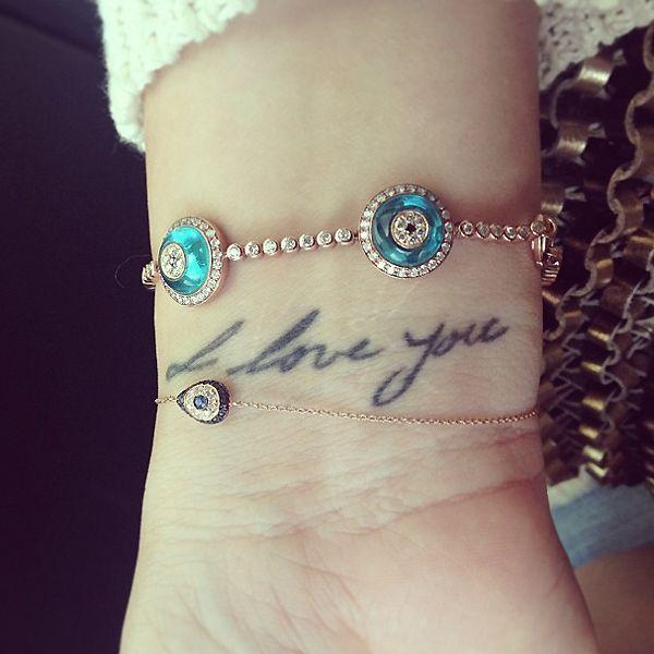 """Khloe Kardashian """"I love you"""" Tattoo in der Handschrift ihres Vaters"""