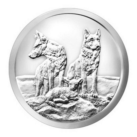 USA - 1 oz zilver ronde kogel zilver schild - bewust en bereid - 2015 - wolven  USA - 1 oz - Bullet zilver Shield - bewust en bereid - 2015 - wolven999 zilver door de kleine wereldberoemde Bullet zilver Shield munt. De muntHiermee maakt u een mooie kleine edities gemaakt van verschillende medailles. Deze editiebeschikt over twee fraai afgebeelde wolven tegenover een kleine schapen. Gewicht en zuiverheid worden bevestigd op de achterzijde.Meer zelden gevonden op de Europese markt. Komt in de…