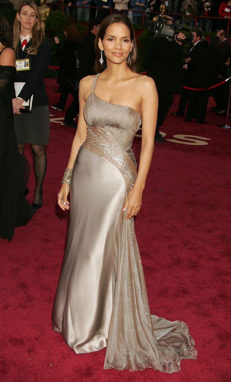 Halle Berry, 2005  In Versace.
