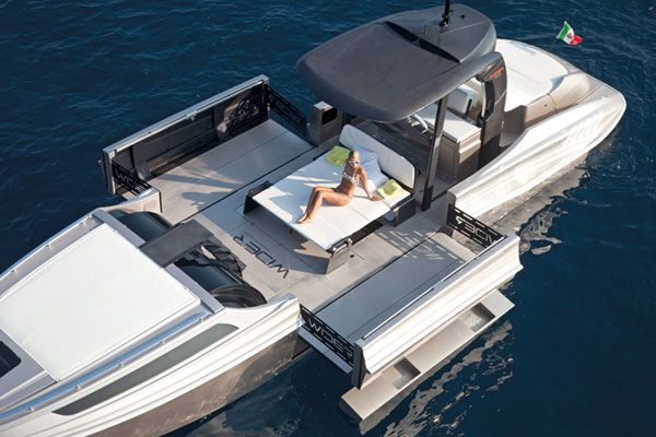 wider expandable yacht boat transformable sunbathing photo