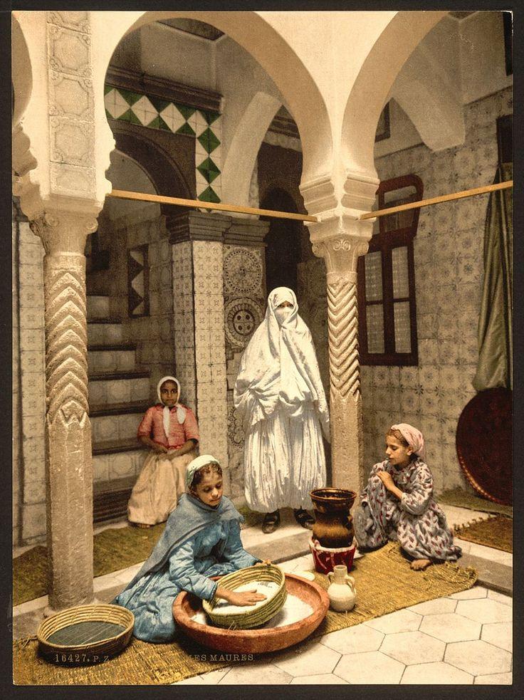 File:Luce Ben Aben, Moorish women preparing couscous, Algiers, Algeria-LCCN2001697843.jpg