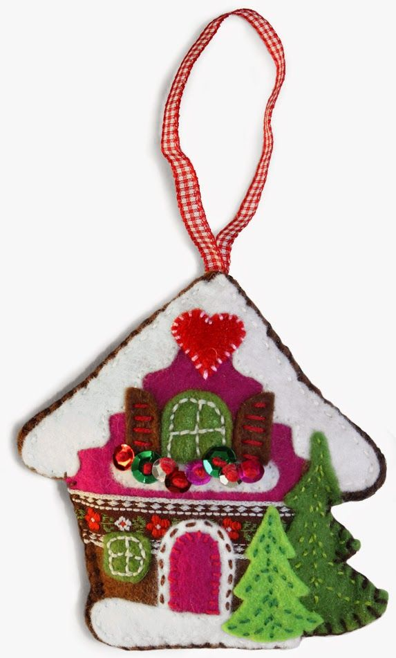 Winter ALPINE COTTAGE felt christmas ornament. With free download pattern. By Handwerkjuffie.