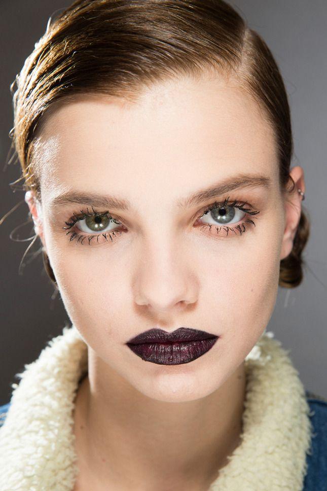 Темные губы: модная тенденция осени 2016: фото с показов Christian Dior, Louis Vuitton | Vogue | Красота | Тенденции | VOGUE