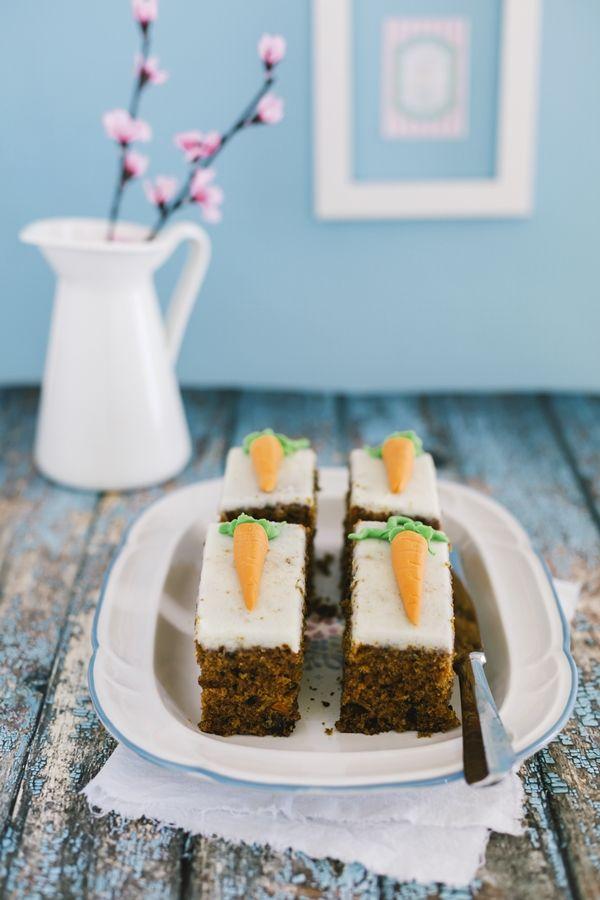 torta di carote con crema di mascarpone e sciroppo d'acero - carrot cake with cream cheese and maple syrup frosting - dessert - carote - Easter - Pasqua