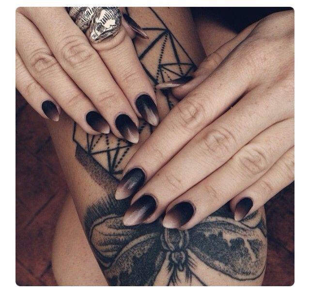 Pretty ombré nails