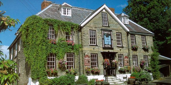 The Castle Hotel, Shropshire (England). #great #views, a #warm and #cosy home away from home feel with some #great #food. #travel #sumer #sun #summer2017 #charming #small #hotels   Visit:http://bit.ly/1RSHCGt