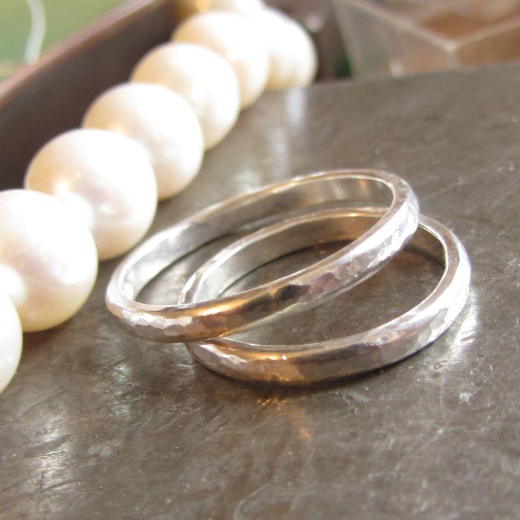 les 25 meilleures id es concernant gravure de bague de mariage sur pinterest anneaux de. Black Bedroom Furniture Sets. Home Design Ideas