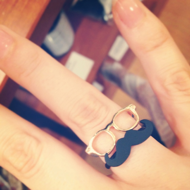 MEGANE ring and HIGE ring by Lilou. At arenot Tokyo. Cute!
