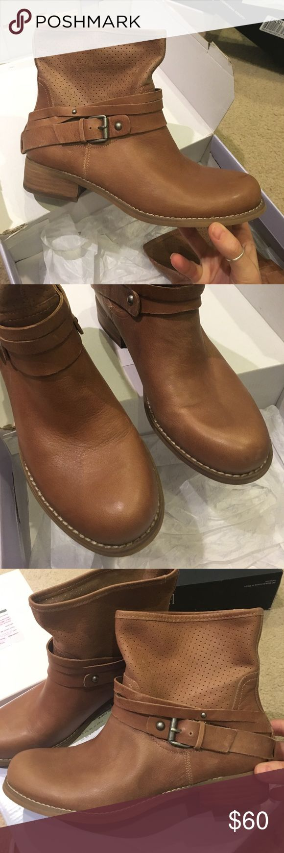 Marc fisher tan leather ankle boots new! Brand new Marc fisher tan leather ankle boots. Has a few very minor scuffs. Very small. Beautiful boots! Comes in original box Marc Fisher Shoes Ankle Boots & Booties