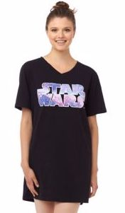 May the force be with you, all season long! Snuggle into a soft fleece night shirt with your fave Star Wars theme. #searscanada #starwars #pyjamas