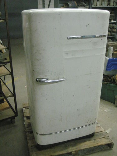 Vintage Antique Hotpoint Refrigerator 1948 Retro 40s 50s