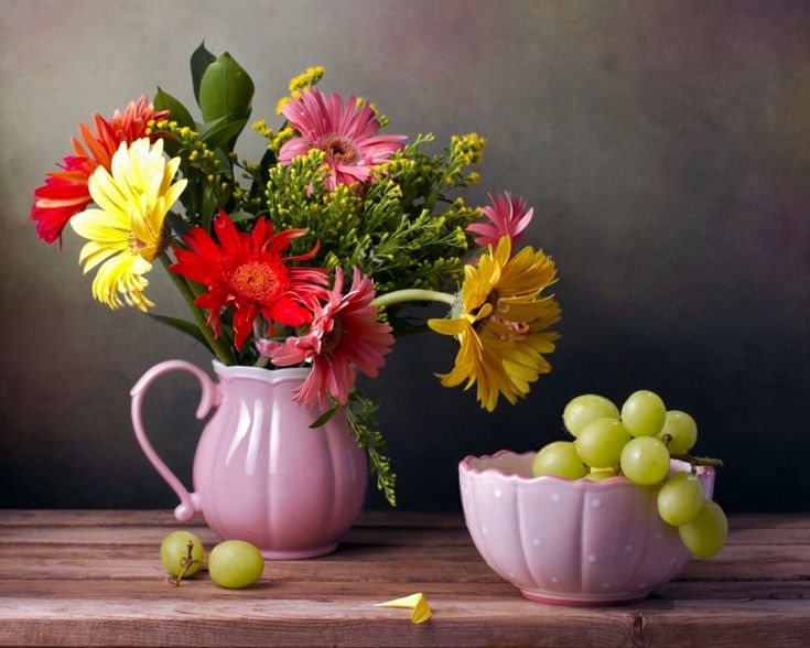 Пазл Цветы и виноград — собрать пазл онлайн
