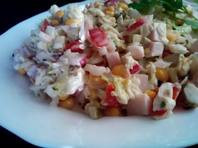 magiczna kuchnia Kasi: Sałatka z kapustą pekińską z szynką i kukurydzą