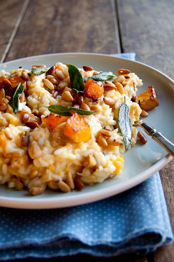 Baked Risotto with Butternut, Pine Nuts & Sage (use vegetarian stock and skip the cream for a #vegan version) #gluten_free