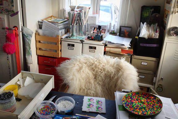 Mit krearum - med masser af kreativt rod. Og masser af uundværlige opbevaringsløsninger fra IKEA. Fotograf: Susanne Randers
