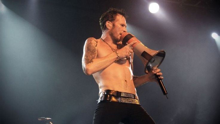 Scott Weiland Dead; Lead Singer of STP Found Dead on His Tour Bus.