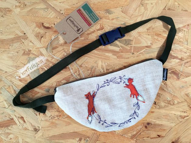 PanFelicjan polish embroidery, belt bag