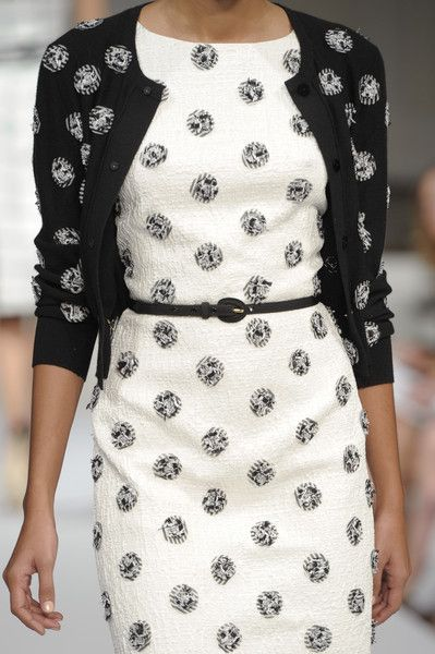 This reminds me of something Duchess Kate would wear. I love the tiny belt too! Oscar de la Renta